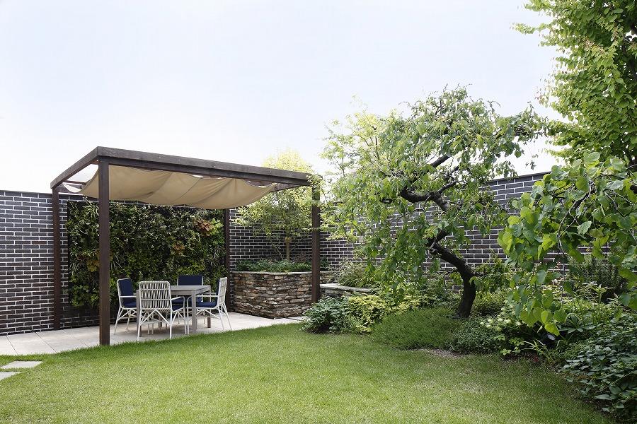春の訪れを感じられる屋上庭園    (S社様 名古屋市天白区)